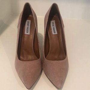 Steve Madden Shoes - Tan/beige size 8.5 Steve Madden Suede Heels